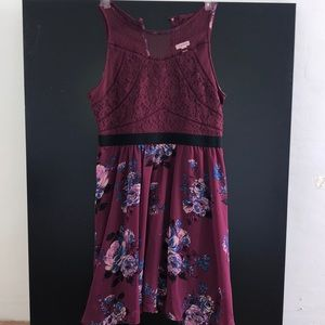 Summer dress with lace